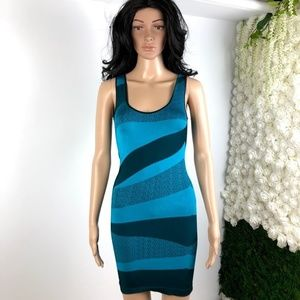 BEBE SLEEVELESS ABSTRACT BODYCON  MIDI DRESS M/L